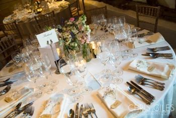 Perfect-barn-weding-table-decor